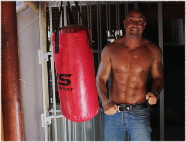 Gert Louw PUNCHING BAG2.jpg